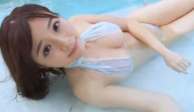 川村那月 ナイスボディをエッチな水着で見せまくっちゃう