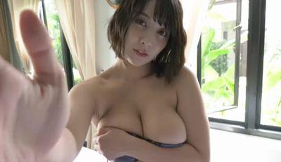 紺野栞 ぽっちゃり巨乳の凄い身体をたっぷり見せちゃう
