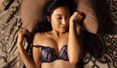 江藤菜摘 恥ずかしそうに疑似セックスで揺れる美人お姉さん